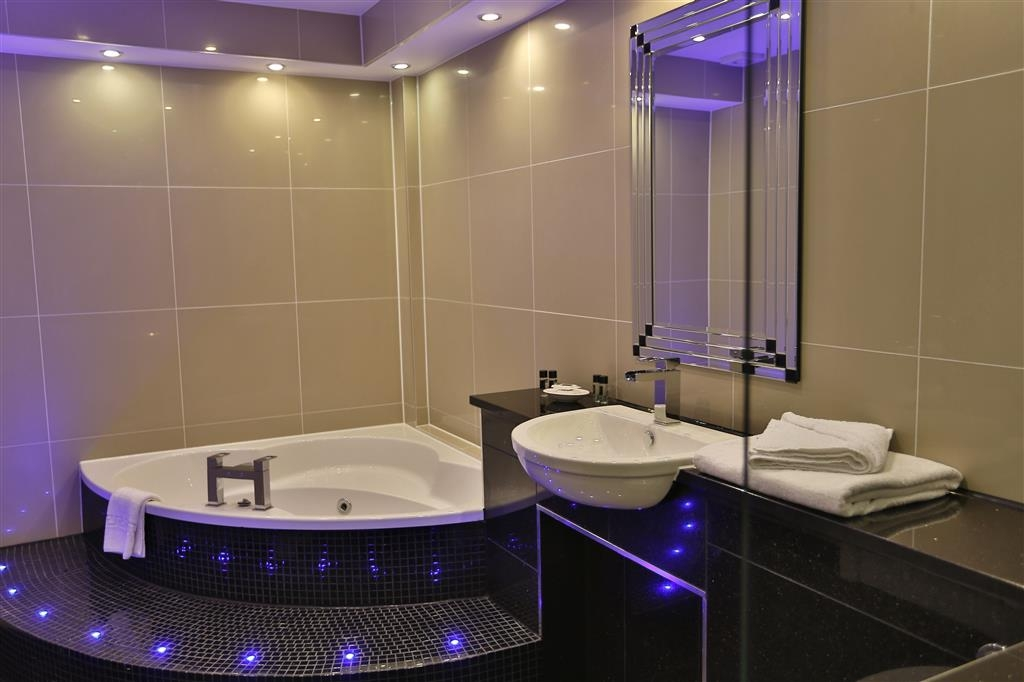 Best Western Heronston Hotel & Spa - Guest Bathroom