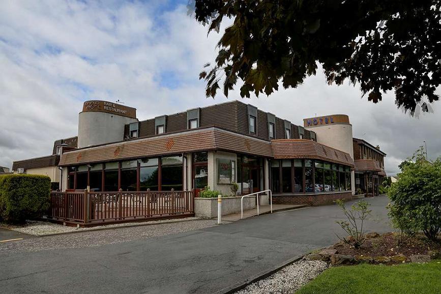 Best Western Glasgow Livingston Hilcroft Hotel - hilcroft hotel grounds and hotel