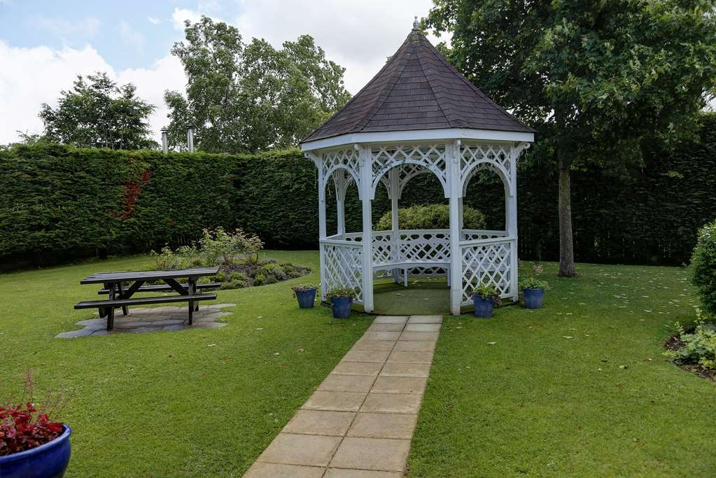 Best Western Glasgow Livingston Hilcroft Hotel - hilcroft hotel grounds and hotel