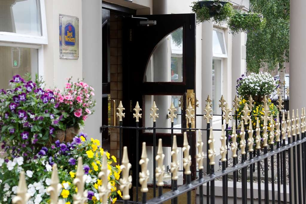 Best Western Queens Hotel - queens hotel grounds and hotel