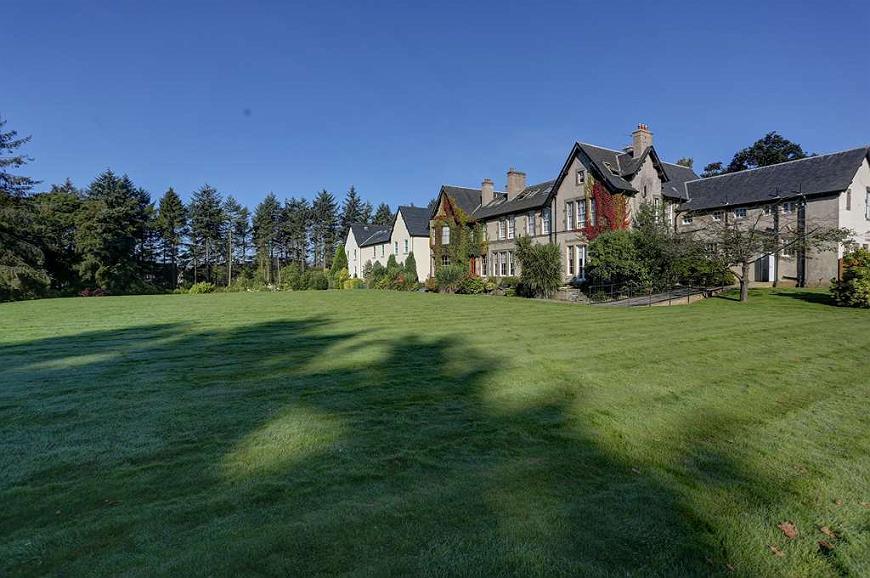 Best Western Balgeddie House Hotel - balgeddie house hotel grounds and hotel