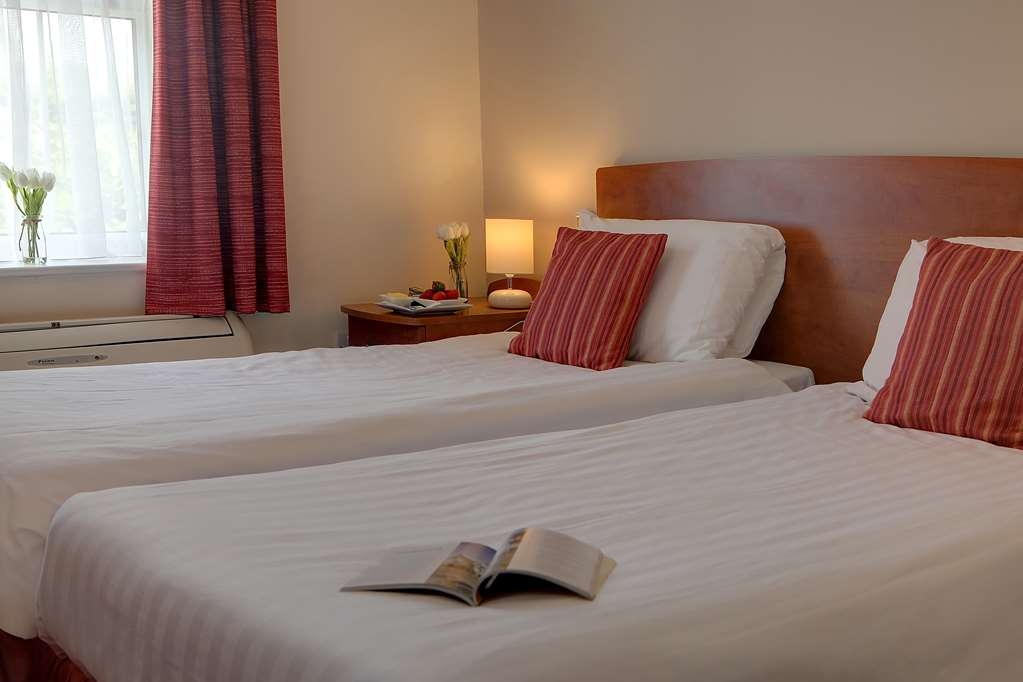 Best Western Claydon Hotel - claydon country house hotel bedrooms