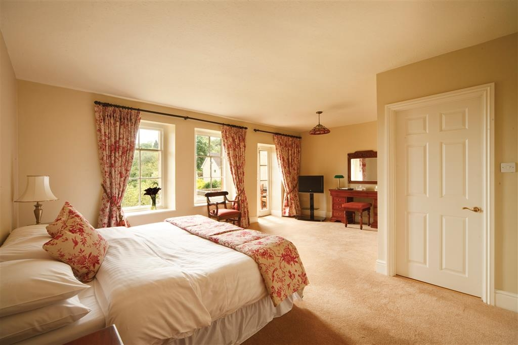 Best Western Limpley Stoke Hotel - Executive Double Bed Guest Room