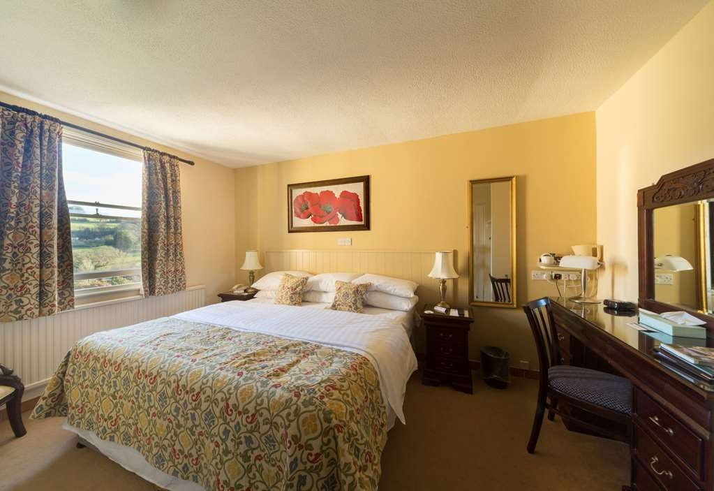 Best Western Limpley Stoke Hotel - Standard Double Bed Guest Room