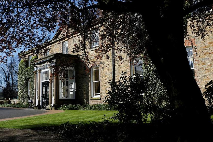 Best Western Whitworth Hall Country Park Hotel - Facciata dell'albergo