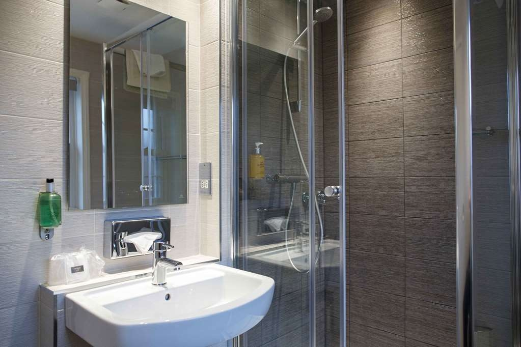 Best Western Lichfield City Centre The George Hotel - Guest Bathroom