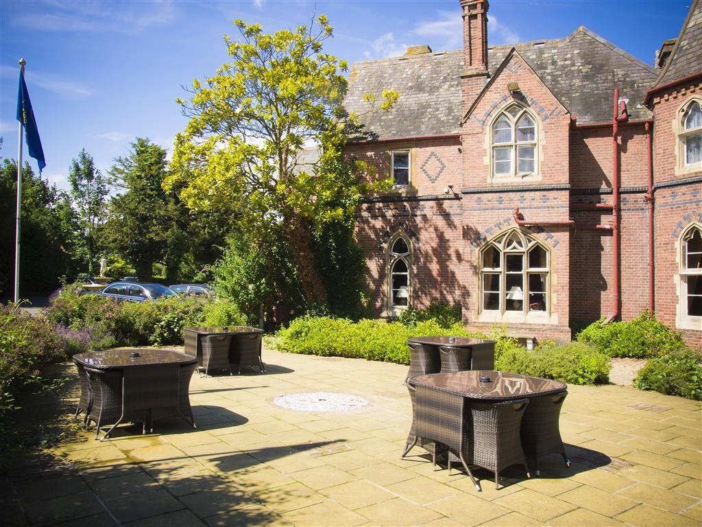 Best Western Abbots Barton Hotel - Façade