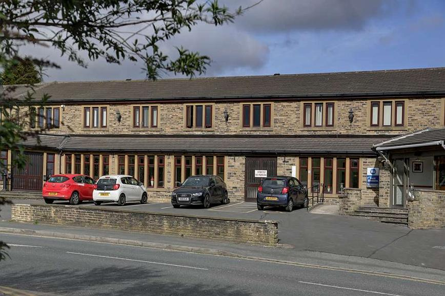 Best Western Bradford Guide Post Hotel - guide post hotel grounds and hotel