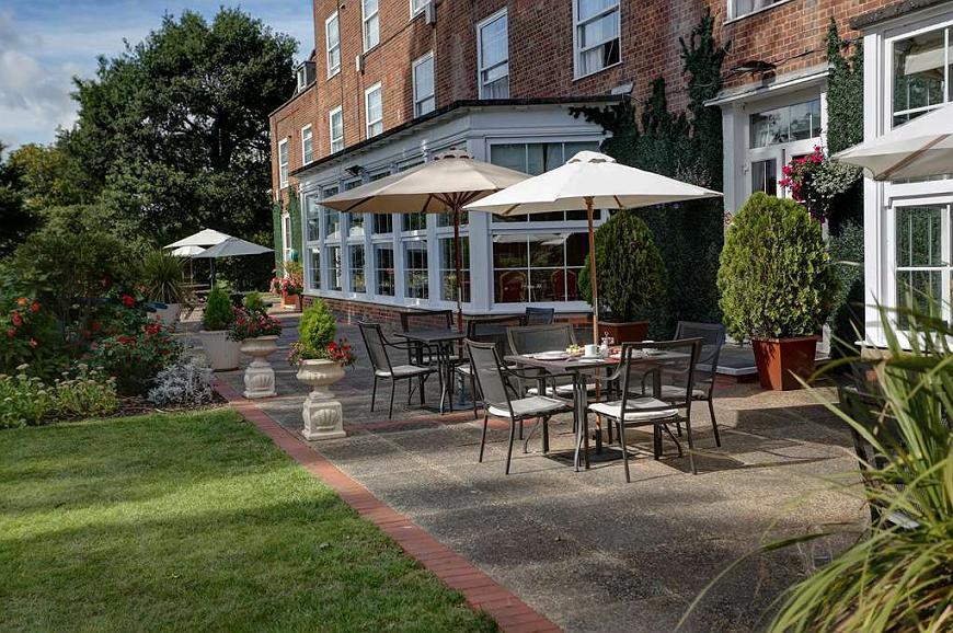 Best Western Welwyn Garden City Homestead Court Hotel - Vista exterior