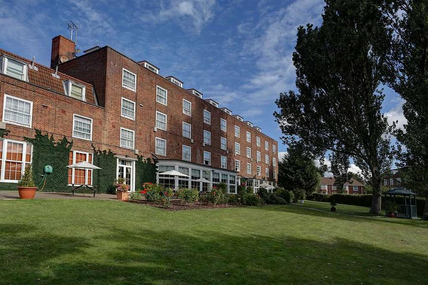 Best Western Welwyn Garden City Homestead Court Hotel - Area esterna