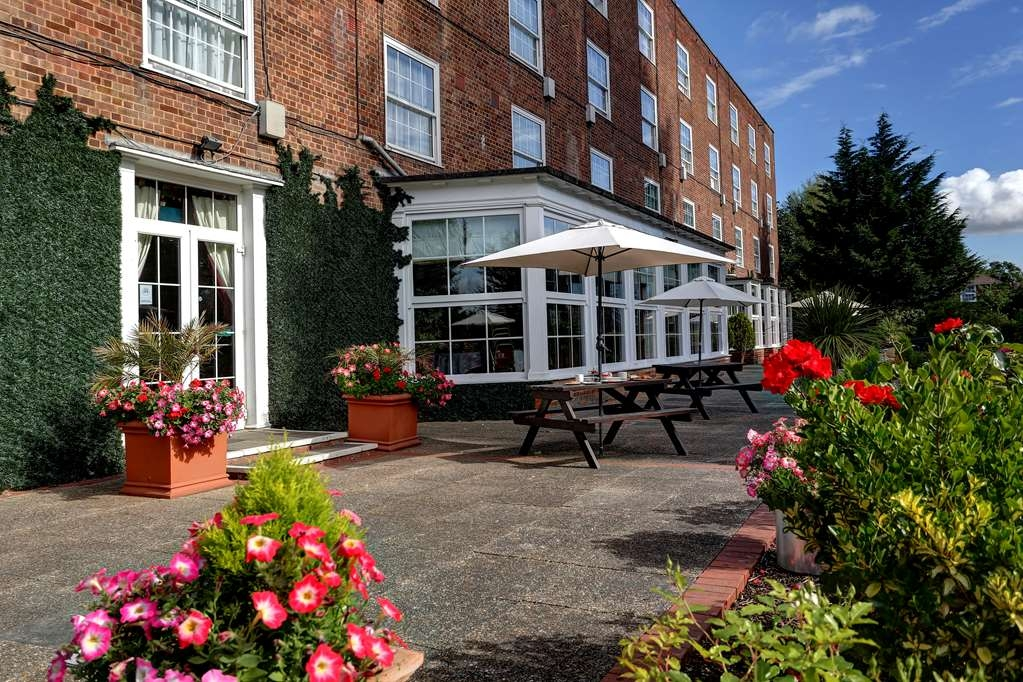 Best Western Welwyn Garden City Homestead Court Hotel - Exterior view