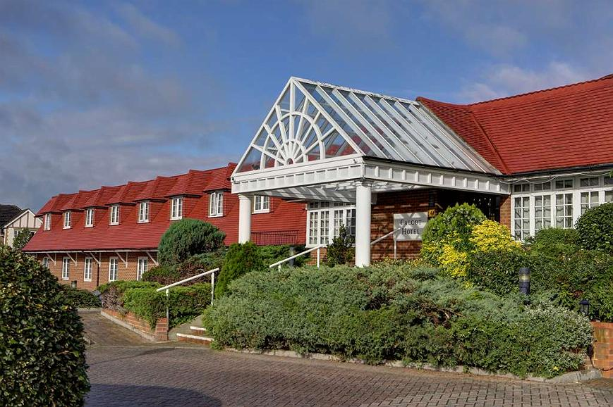 Best Western Reading Calcot Hotel - calcot hotel grounds and hotel