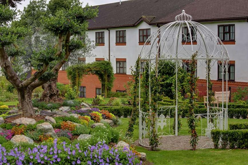 Best Western Plus Ullesthorpe Court Hotel & Golf Club - Vista exterior