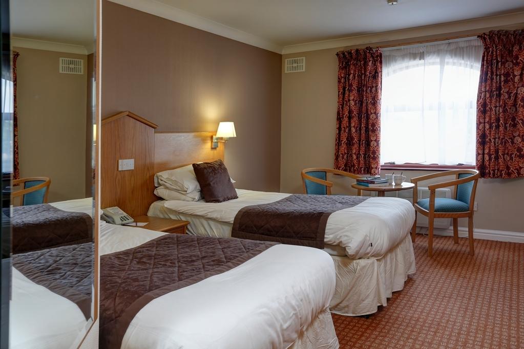 Best Western Widnes Halton Everglades Park Hotel - Guest Room