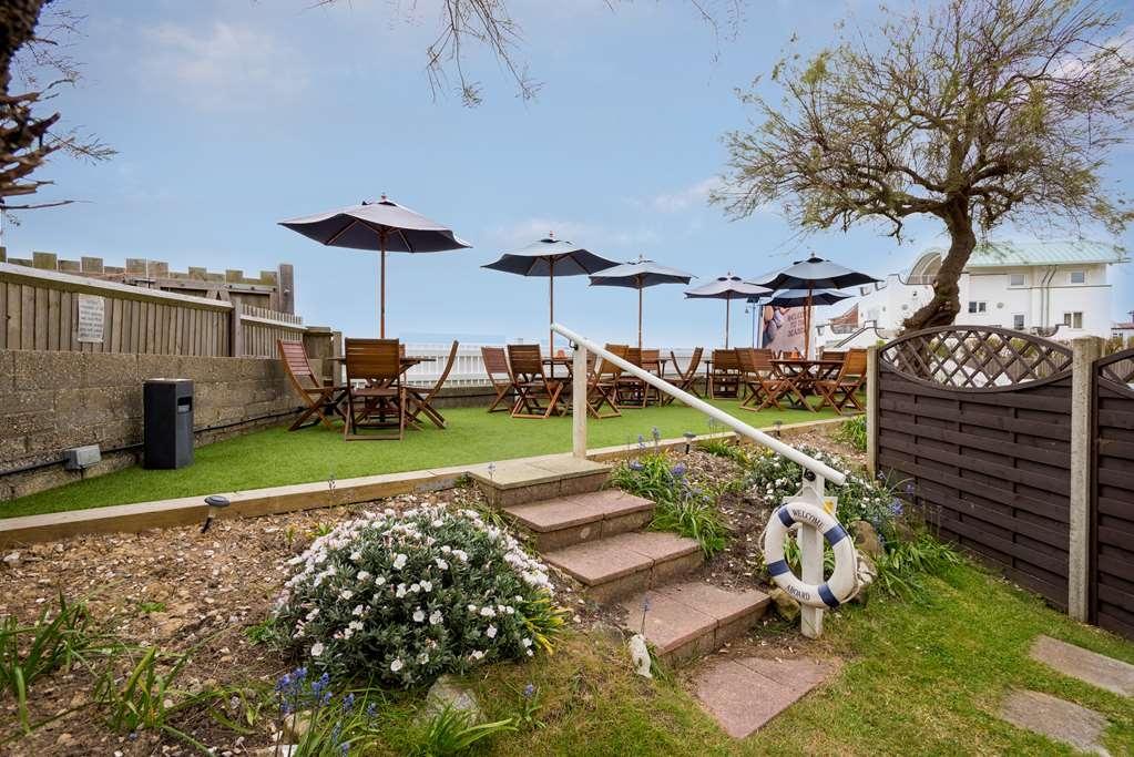 Best Western Beachcroft Hotel - beachcroft hotel grounds and hotel