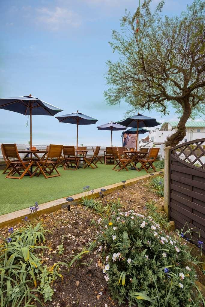Best Western Beachcroft Hotel - beachcroft hotel grounds and hotel OP