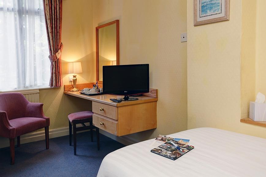 Fabulous Hotel In Torquay Best Western Livermead Cliff Hotel Ncnpc Chair Design For Home Ncnpcorg