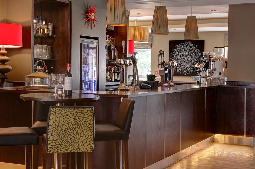 Best Western Plus Manchester Airport Wilmslow Pinewood Hotel - pinewood hotel dining