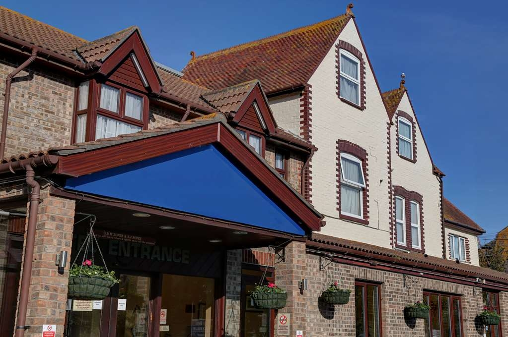 Best Western Weymouth Hotel Rembrandt - hotel rembrant grounds and hotel
