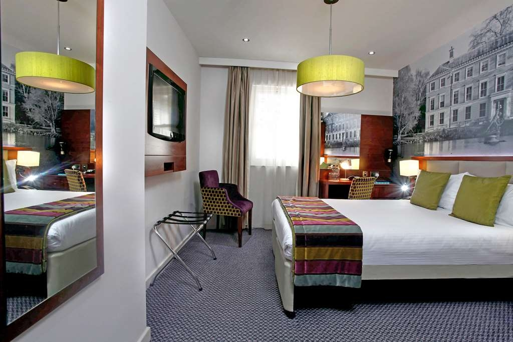 Seraphine Hammersmith Hotel, Sure Hotel Collection - Mobility Accessible Room with One Double Size Bed