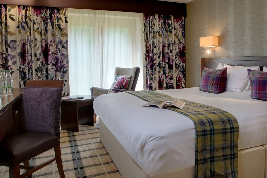 Best Western Plus Grim's Dyke Hotel - grims dyke hotel bedrooms