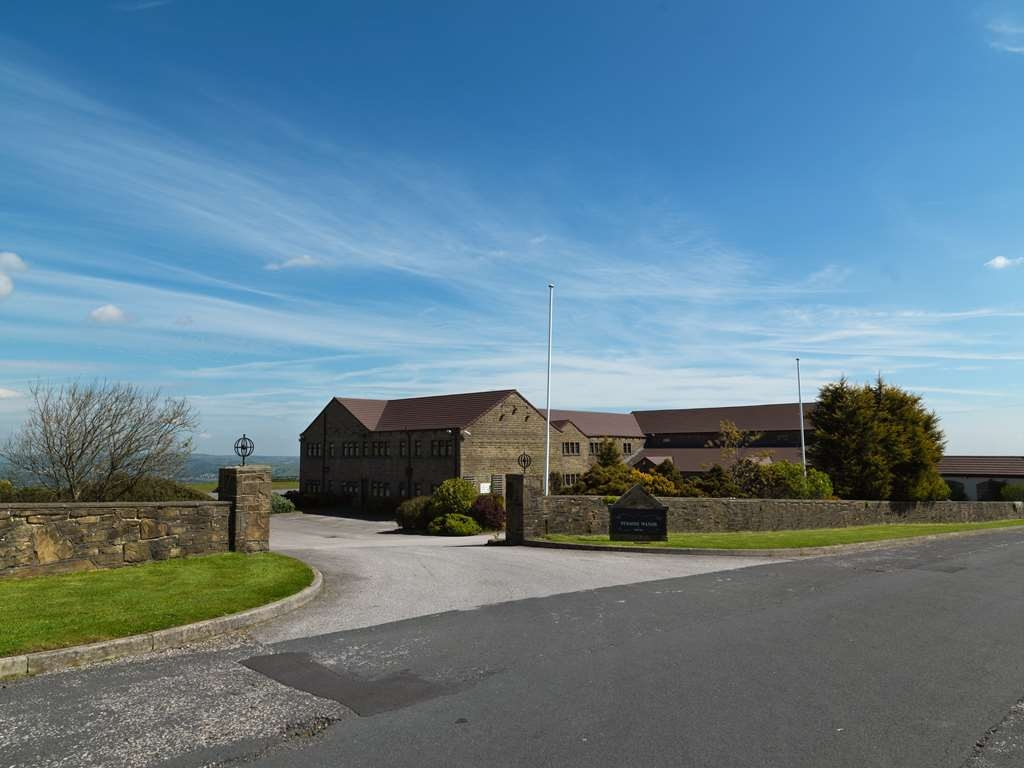 Best Western Pennine Manor Hotel - pennine manor hotel grounds and hotel