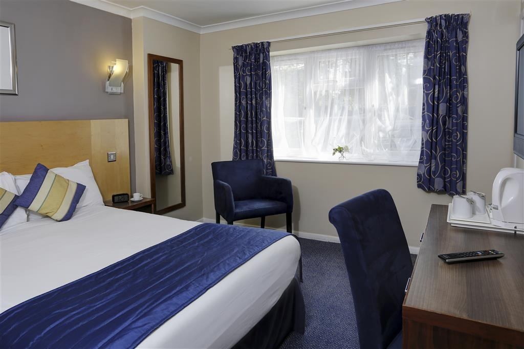 Best Western Gatwick Skylane Hotel - Gästezimmer/ Unterkünfte
