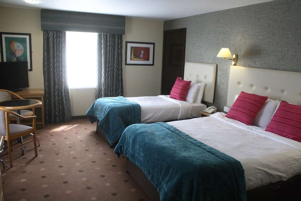 Best Western Plus White Horse Hotel - Executive Room beds