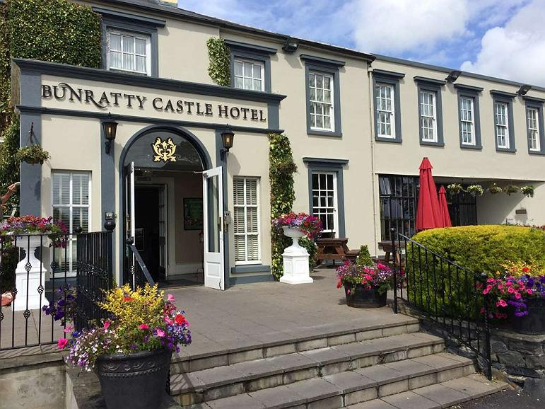 Bunratty Castle Hotel, BW Signature Collection - Aussenansicht