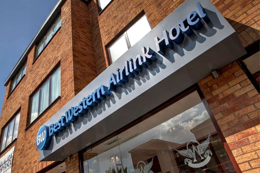 Best Western Airlink Hotel London Heathrow - Facciata dell'albergo