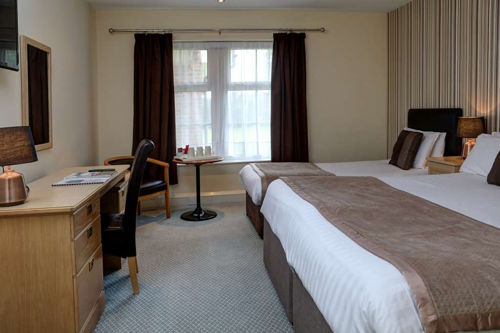 Allerton Court Hotel, Sure Hotel Collection by Best Western - Family Guest Room with One Double and One Twin Size Bed