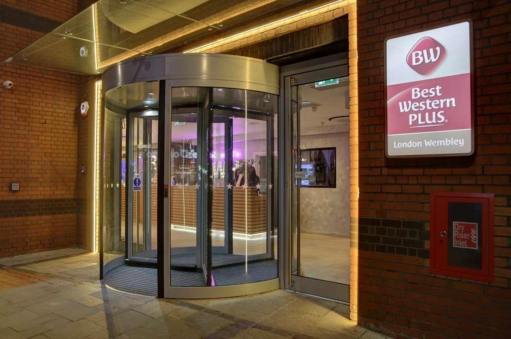 Best Western Plus London Wembley Hotel - Facciata dell'albergo