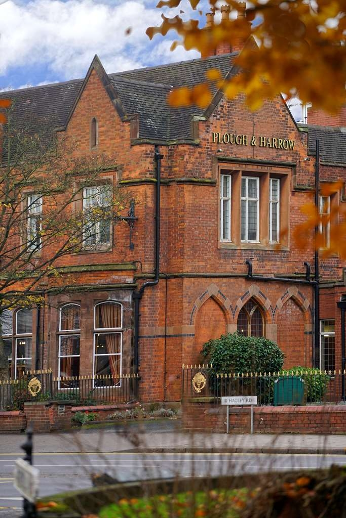 Best Western Plough & Harrow Hotel - Facciata dell'albergo