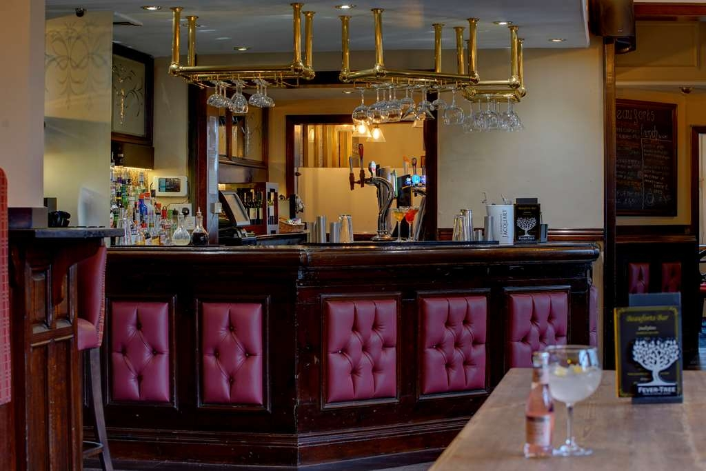 Best Western Plough & Harrow Hotel - Bar / Lounge