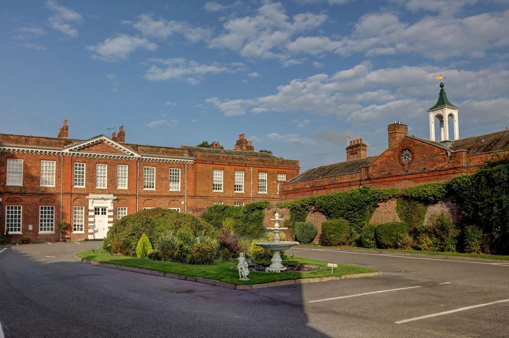 Baylis House Hotel, Sure Hotel Collection by Best Western - baylis house hotel grounds and hotel