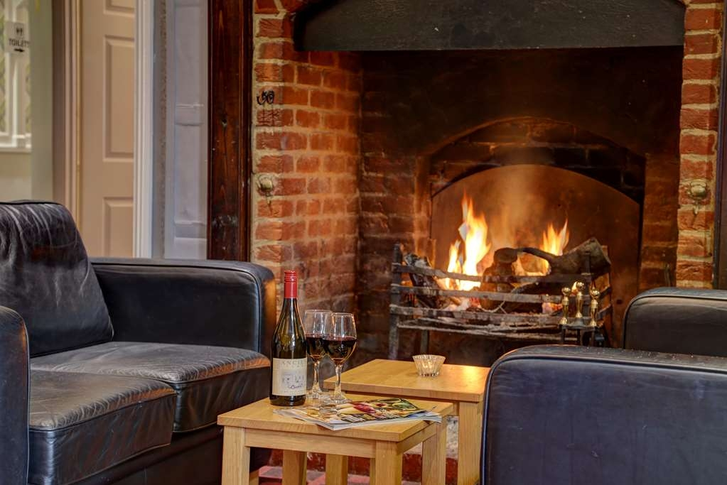 The Judds Folly Hotel, Sure Hotel Collection by Best Western - Cocktail Lounge Seating by the Fireplace