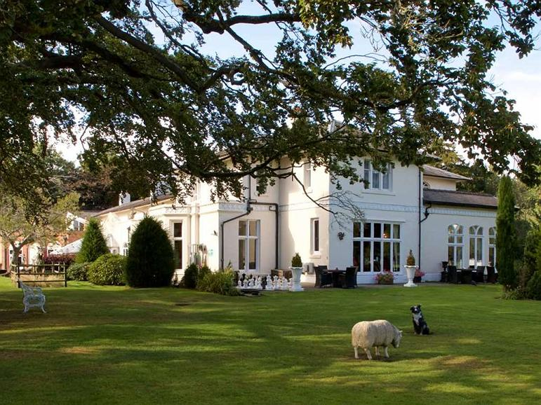 Wrexham Llyndir Hall Hotel, BW Signature Collection - Area esterna