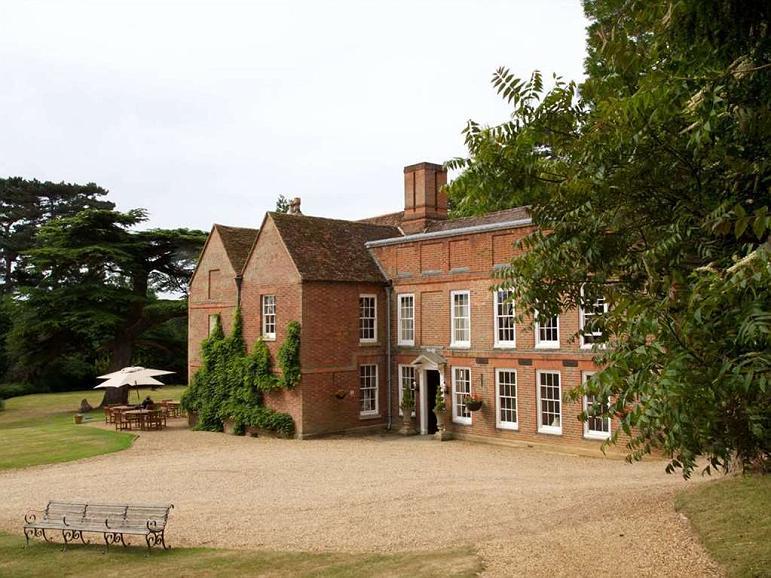 Flitwick Manor, Premier Collection - Aussenansicht
