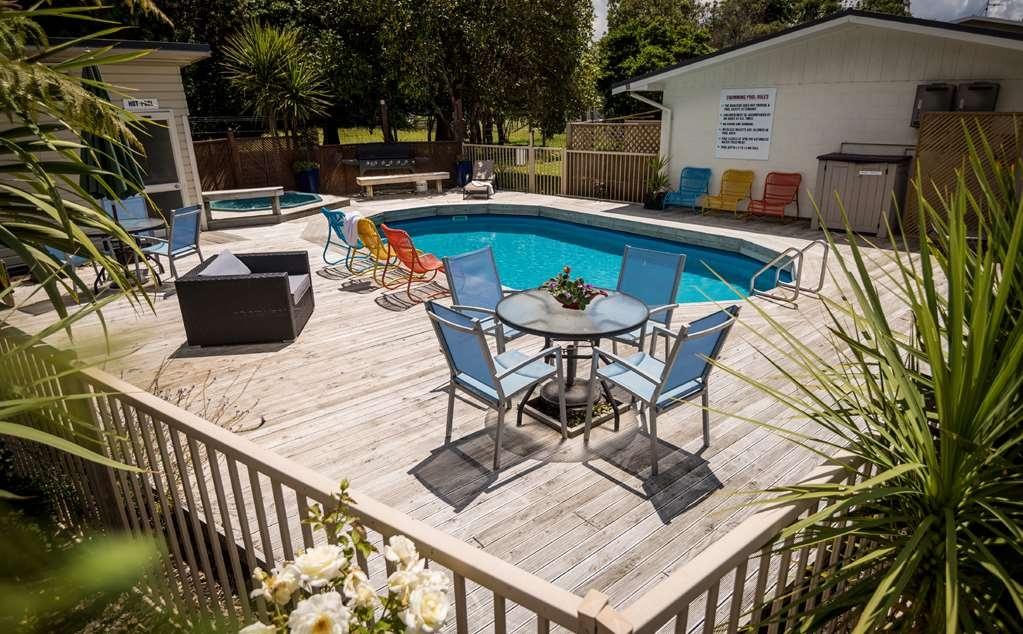 Best Western Braeside Rotorua - Outdoor Swimming Pool