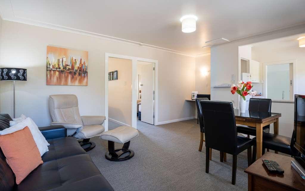 Best Western Braeside Rotorua - Two Bedroom Suite - Living Area