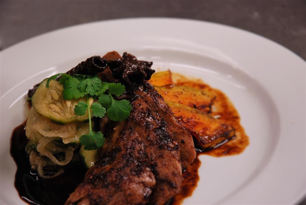 Best Western Braeside Rotorua - Restaurant Dining - Pork