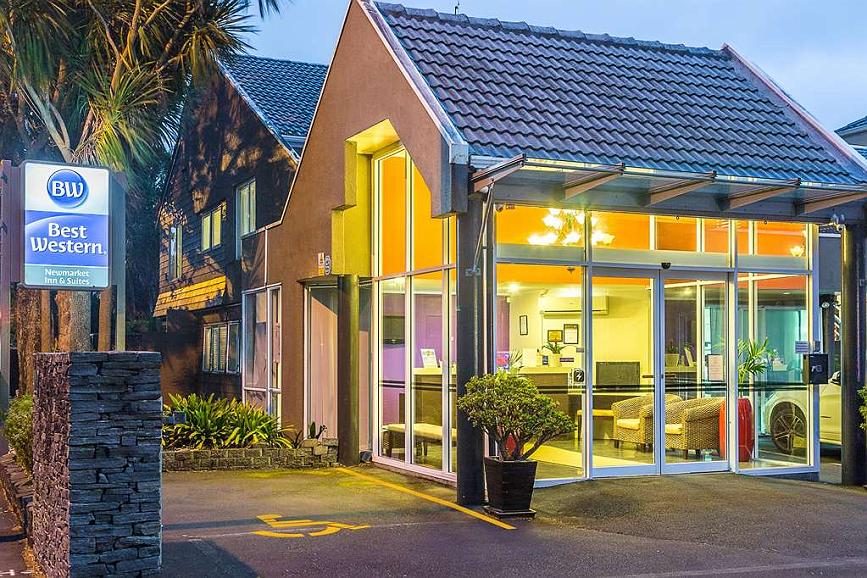 Best Western Newmarket Inn & Suites - Vista exterior