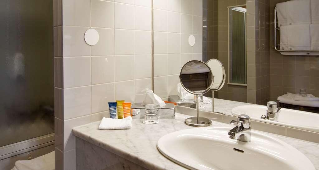Best Western Plus Vasterviks Stadshotell - Suite Room Bathroom, Best Western Plus Västerviks Stadshotell