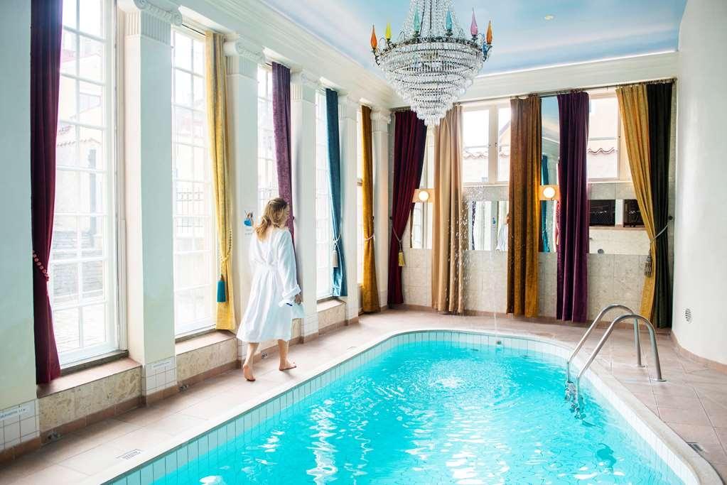 Best Western Strand Hotel - Poolansicht