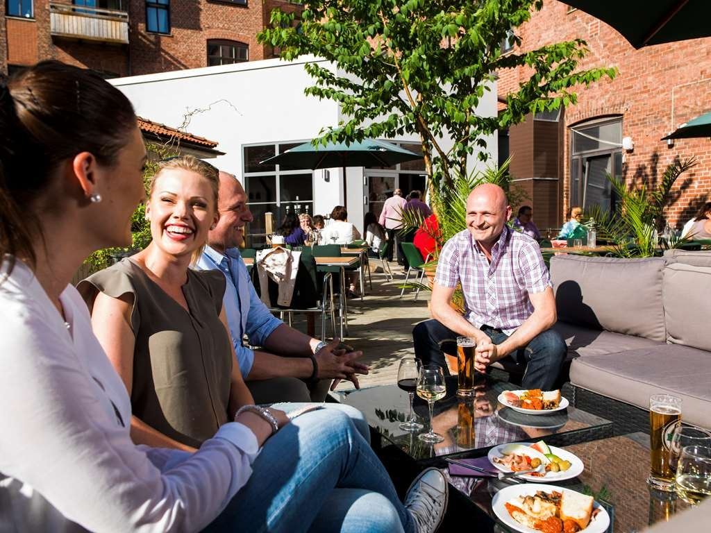 Best Western Plus Grand Hotel - Courtyard terrace for meals and drinks to be enjoyed, during summertime