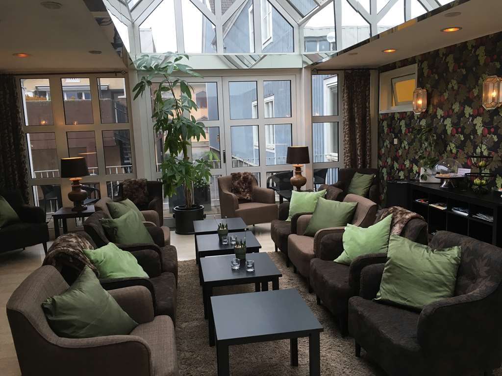 Best Western Plus Edward Hotel - Vista del vestíbulo