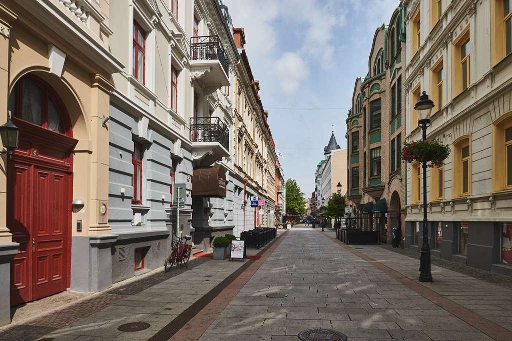 Best Western Hotel Duxiana - Exterior Streetview