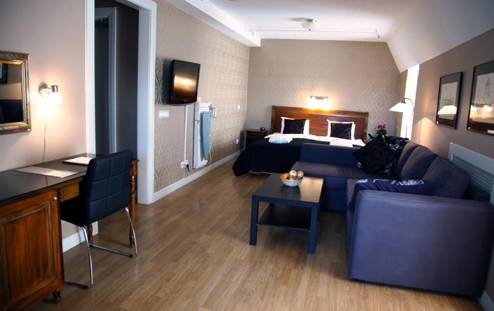 Best Western Hotel Gamla Teatern - Superior guest room with a sofa bed.