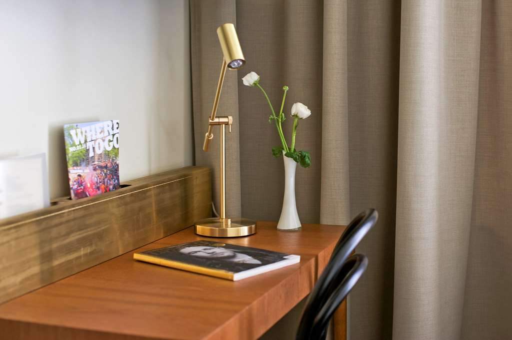 Best Western Hotel Baltic - Guest Room Desk