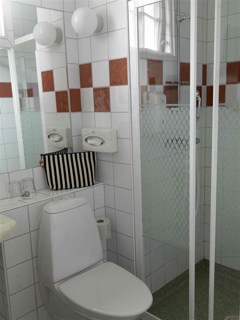 Best Western Solhem Hotel - Guest Bathroom